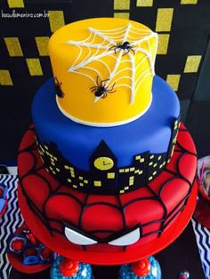 Spiderman Cake Ideas for Little Super Heroes - Novelty Birthday Cakes Spiderman Birthday Cake, Avengers Birthday, Superhero Cake, Superhero Birthday Party, 5th Birthday, Fun Cupcakes, Birthday Cupcakes, Cupcake Cakes, Novelty Birthday Cakes