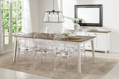 Maine Dining Table in White with Cicero Chairs