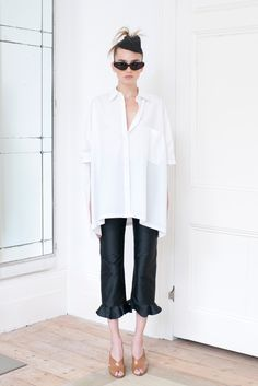 Isa Arfen Spring 2016 Ready-to-Wear Collection Photos - Vogue  must make a big white shirt like this...