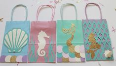 42 Ideas for gifts bag ideas candy Mermaid Party Favors, Mermaid Theme Birthday, Little Mermaid Birthday, Mermaid Gifts, Mermaid Diy, Mermaid Parties, Diy Party Bags, Party Favor Bags, Goody Bags