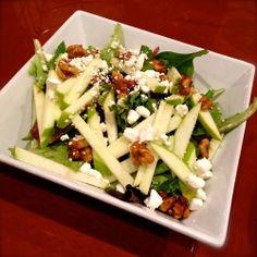 Festiva y DIETÉTICA receta de ensalada de manzana, nueces y queso de cabra | ¿Qué Más?