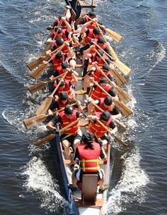 Google Image Result for http://theyoungurbanunprofessional.com/wp-content/uploads/2012/05/Dragon-Boat-Racing.jpg