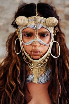Are you heading to Burning Man this year? If you are, then here are a few things to consider. First, do you own a feathered headdress? Burning Man Costumes, Samantha Harris, We Are The World, People Around The World, Ethno Style, Tribal Style, Bohemian Style, Aboriginal People, Schmuck Design