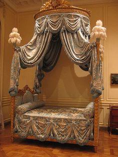 Image detail for -The Louis XV Furniture Style Baroque Bedroom, Queen Bedroom, Bedroom Sets, Dream Bedroom, Victorian Furniture, French Furniture, Vintage Furniture, Bedroom Furniture, Home Furniture