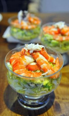 Cóctel de Marisco - Graceful Tutorial and Ideas Seafood Dishes, Seafood Recipes, Mexican Food Recipes, Cooking Recipes, Healthy Recipes, Ethnic Recipes, Healthy Food, Tapas, Party Food Catering