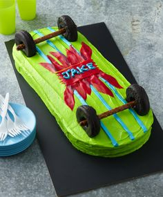 Chocolate mini-doughnuts and pretzel rods make this skateboard cake ready to roll! Easy to personalize with your kiddo's favorite color and cake flavor, it makes a fun birthday cake for an on-the-go little.