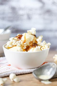 A creative ice cream sundae that captures the flavor of summer corn with sweet and salty caramel-candied bacon. Sweet Corn, Sweet And Salty, Frozen Desserts, Frozen Treats, Candied Bacon, Bacon Bacon, Dessert Drinks, Dessert Recipes, Caramel Candy