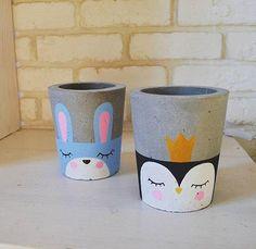 """Concrete pot """"Art"""" Painted Plant Pots, Painted Flower Pots, Cement Art, Cement Crafts, Pots D'argile, Pottery Painting, Diy Arts And Crafts, Bottle Crafts, Flower Boxes"""