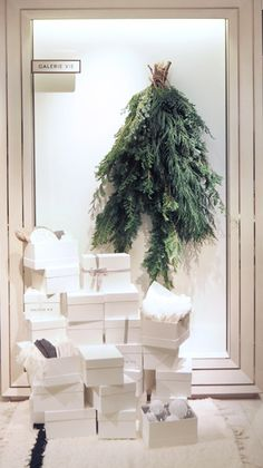 "GALERIE VIE,Shinjuku Isetan, Tokyo,Japan, ""Your Holiday Gifts"", pinned by Ton van der Veer"