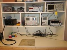 Electronics Workbench Hobby Electronics, Electronics Projects, Computer Repair Shop, Wire Table, Electronic Workbench, Electronic Schematics, Electronic Shop, Electrical Projects, Diy Workshop