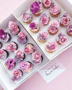 Eid Cupcakes, Cute Cupcakes, Cupcake Party, Cupcake Cakes, Flower Cupcakes, Wedding Cake Cookies, Mini Wedding Cakes, Beautiful Cupcakes, Gorgeous Cakes