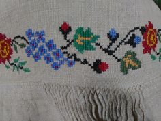 Ukrainian Dress, Fashion Vintage, Ukraine, Embroidery Patterns, Stitch, Antiques, Crochet, Shirts, Cross Stitch