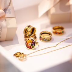 Exclusive fine jewellery pieces with a touch of art and craftsmanship. Discover last minute FREYWILLE gifts online Fine Jewelry, Jewellery, Online Gifts, Enamel, Touch, Jewels, Diamond, Accessories, Art