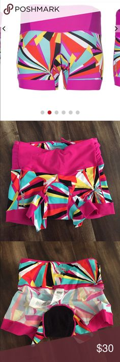 Zoot triathlon sports short These are very comfortable and well padded triathlon shorts.  It is in great condition and a must for any extreme or just extra support.  Runs smaller.  Make me an offer Zoot Shorts