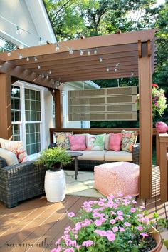 Outdoor patio decorating ideas patio deck decorating ideas outdoor patio decorations savvy southern style deck more small deck decorating ideas patio deck Diy Deck, Diy Patio, Backyard Patio, Backyard Landscaping, Landscaping Ideas, Backyard Trees, Pavers Patio, Backyard Layout, Patio Wall