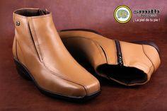 Capellada: Cuero napa 100% natural Suela: Poliuretano P.U Plantilla de confort: Material expandido amortiguante Sistema de construcción: Cementado Tacón: 3 1/2 Chelsea Boots, Ankle, Natural, Shoes, Fashion, Template, Footwear, Leather, Feminine