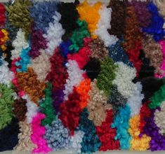 #colours #loom #weaving #wovenwallhanging #wovenwallart #woven #loom #textiledesign #giftideas #gift #handmade #handwoven #etsy #etsyseller