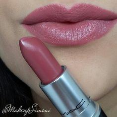 mac twig Mac - Twig got this today, love it! Mac Lipstick Swatches, Mac Twig Lipstick, Lipstick Shades, Mac Lipstick Colors, Matte Lipsticks, Mac Makeup, Makeup Lipstick, All Things Beauty, Beauty Make Up