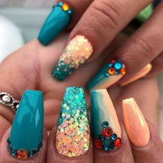 Image may contain: one or more people and closeup Diy Acrylic Nails, Glitter Tip Nails, Summer Acrylic Nails, Bling Nails, Acrylic Nail Designs, Summer Nails, Nail Art Designs, Silver Glitter, Square Nail Designs