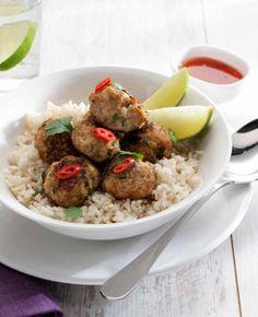 Thaise gehaktballetjes, NewFysic | Moeiteloos afslanken Superfoods, Meatloaf, Healthy Recipes, Healthy Food, Healthy Life, Thai Thai, Diet, Snacks, Drinks