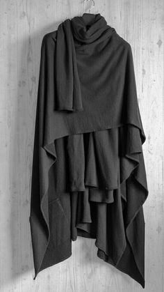 "Yamamoto translates in Japanese as ""at the foot of a mountain"". Yohji Yamamoto's name means the movement of the plates of the earth rubbing together to raise a new formation of a … Yohji Yamamoto, Mode Style, Style Me, Fashion Victim, Goth Outfit, Mode Alternative, Gothic Mode, Dark Mori, Dark Fashion"