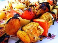 Braai! Braai Recipes, Kabob Recipes, Mexican Food Recipes, Ethnic Recipes, Bbq Skewers, Kabobs, Dinner Club, South African Recipes, Boneless Skinless Chicken
