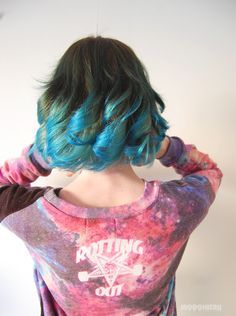 Short Teal Hair without bleaching - Forums Blue Tips Hair, Hair Dye Tips, Dip Dye Hair, Dye My Hair, Blue Hair, Dip Dyed, Short Teal Hair, Short Ombre, Best Hair Dye