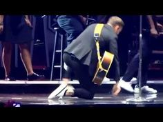 Justin Timberlake and Garth Brooks - Friends In Low Places - Nashville, December 19, 2014 - YouTube