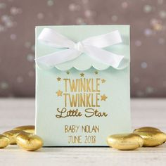 These personalized scalloped baby shower favor bags are available in many colors and designs. Choose your own combination of colors and design to create the perfect look for your event.