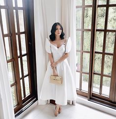 6 Times Heart Evangelista Wore A Terno And Slayed - Star Style PH Source by nataszenka Modern Filipiniana Gown, Filipiniana Wedding, Wedding Gowns, Filipino Fashion, Look Rose, Elegant Dresses, Formal Dresses, Style Casual, Civil Wedding