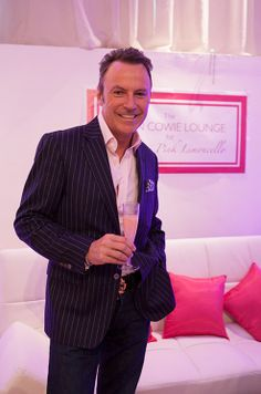 With cocktail in hand, Colin Cowie takes over the Colin Cowie Lounge with Pink Limoncello at The Wedding Salon.