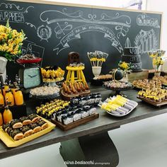 Olha que Linda essa Mesa festa adulto!  #mae_festaira #decoracaodefesta #festa por @gideias by mae_festeira