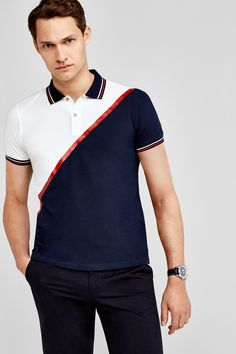 Short-sleeved polo shirt with diagonal seam and rubberised detail. Camisa Polo, Ralph Lauren Style, Polo Ralph Lauren, Polo Design, Senior Shirts, Latest Clothing Trends, Polo T Shirts, Men Looks, Gorgeous Men