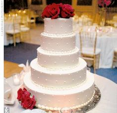 Wedding Cakes Pictures: Five Tier Round Red Roses Wedding Cake