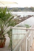 SEEPAVILLON Restaurant  Eine romantischere Hochzeitslocation als den Seepavillon werden Sie in Köln nicht finden. Hier können Sie in einer traumhaften Kulisse den schönsten Tag in Ihrem Leben feiern. Gern organisieren wir auch ganz außergewöhnliche Zeremonien. Wie wäre es zum Beispiel mit dem Jawort unter Wasser? Wir machen vieles möglich, damit Ihr Hochzeitstag wirklich zu einem außergewöhnlichen Ereignis wird.