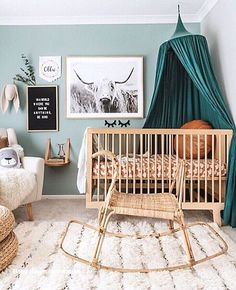 Babyzimmer Kinderzimmer blau geschlechtsneutral 48 Trendy Ideen You are in the right place about baby room decor homemade Here we offer you the most … Apartment Decoration, Decoration Bedroom, Decor Room, Home Decor, Boho Nursery, Nursery Decor, Nursery Furniture, Furniture Ideas, White Nursery
