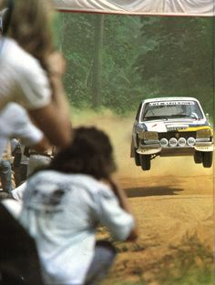 Sport En France, Peugeot 504, Automobile, Racing Car Design, Classic Race Cars, Rally Car, Car And Driver, Car Photos, Sport Cars