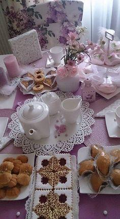 Eid Cake, Morrocan Food, Breakfast Bread Recipes, Kitchen Ornaments, Fiber Rich Foods, Tea Party Birthday, Arabic Food, Food Presentation, Food Design
