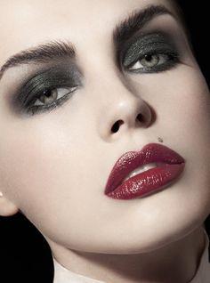 Glitter black eyeshadow with dark deep red lip