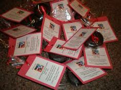 This idea could be used at a hockey tournament too. Kids can look for their number. You could do some in the other teams colours as well. Have fun!http://njcraftymomma.blogspot.ca/2012/03/end-of-hockey-season-treats.html
