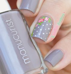 "Manucurist gris n°3 - collection automne ""what Paris is"" - gray nails with romantic roses"
