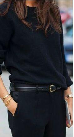 Fashion inspiration looks street style, street style trends, autumn street style, look fashion Minimalist Chic, Minimalist Fashion Women, Black Women Fashion, Womens Fashion, White Fashion, Minimalist Clothing, Minimalist Outfits, Minimalist Wardrobe, Black Cashmere Sweater