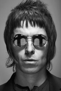 Former Oasis frontman Liam Gallagher releases images of his first ever eyewear collection for his comprehensive British clothing label, Pretty Green. Liam Gallagher Sunglasses, Kenzo, Liam And Noel, Mod Hair, Britpop, Eye Photography, Stylish Sunglasses, Pretty Green, Male Face