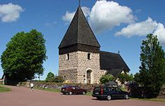 Eckerö kyrka på Eckerö, Åland från slutet av 1200-talet och tillägnad martyrhelgonet St Laurenzius (St Lars). Kyrkan är församlingskyrka i Eckerö församling.