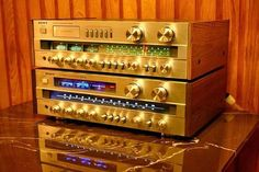 UP - SONY - STR V4L / DOWN - SONY STR V4   Vintage Audio Love