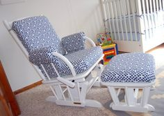 Glider Makeover - the easy way with staples and iron-on hem tape - probably more my speed than making slip-covers Recover Glider Rocker, Glider Redo, Glider Slipcover, Glider Rocker Cushions, Nursery Glider Chair, Chair Cushions, Repurposed Furniture, Pallet Furniture, Furniture Projects