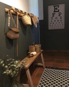 Garderobe – - New Deko Sites Interior Design Living Room, Living Room Designs, Entrance Hall Decor, Hallway Paint, Bench Decor, Decorating Your Home, Interior Decorating, Home Decor Bedroom, Home And Living