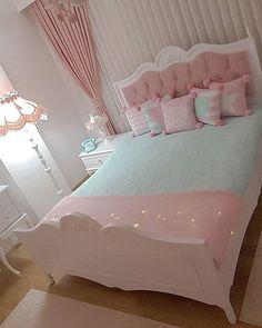 Bedroom Cupboard Designs, Girl Bedroom Designs, Cute Bedroom Ideas, Cute Room Decor, Upscale Furniture, Home Decor Furniture, Bed For Girls Room, Girl Room, Home Bedroom