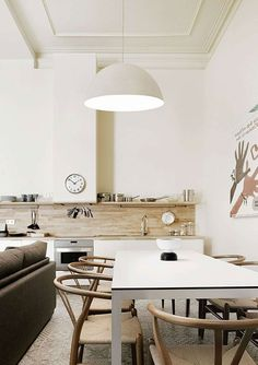 A MODERN & BRIGHT APARTMENT IN BARCELONA (via Bloglovin.com )