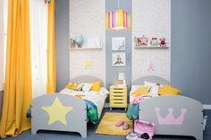 ¿Quién dijo que el azul era de niños y el rosa de niñas? Combinando colores conseguirás habitaciones únicas para los más pequeños.